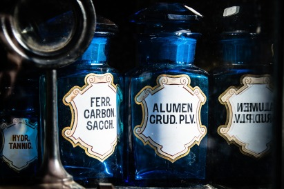 bottles-1262034_1920